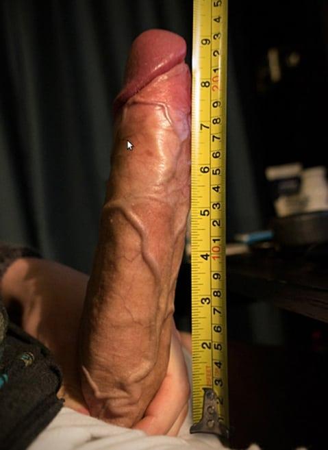 особа парни измеряют члены смазка для